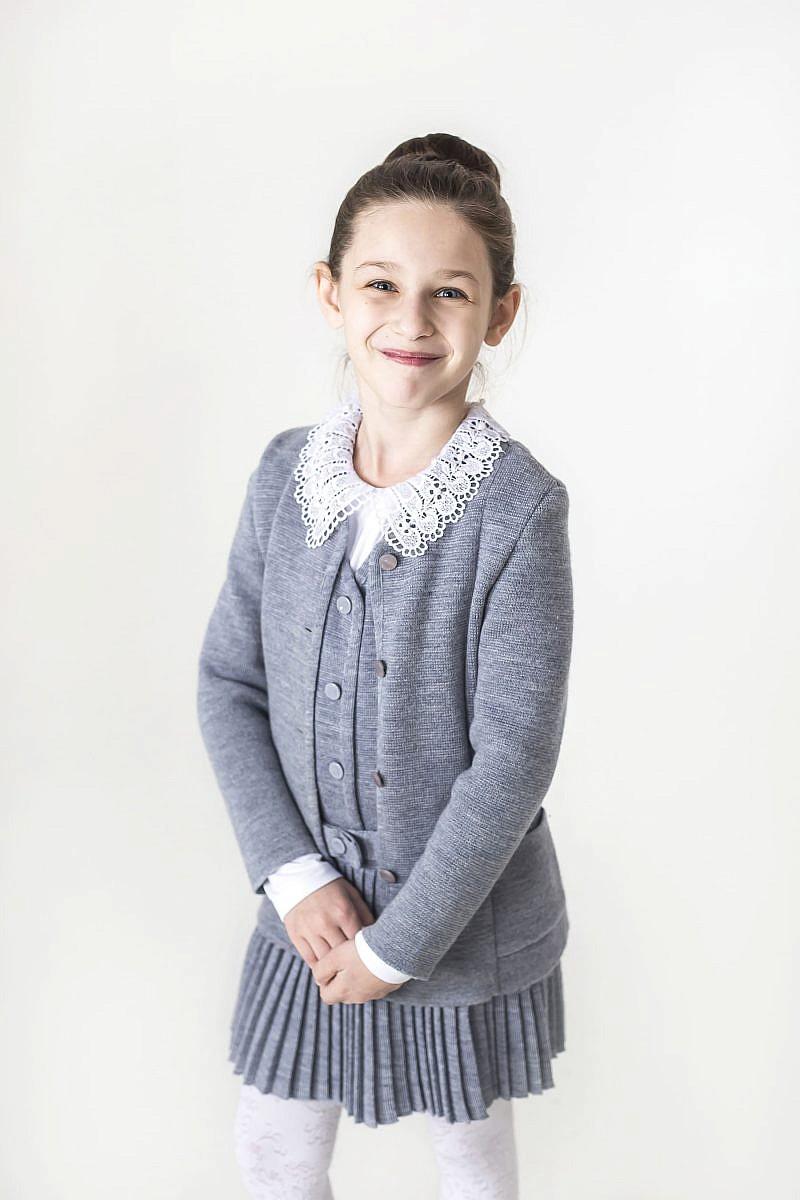 Трикотажный жакет для девочки на пуговицах в Челябинске, Магнитогорске, Учалах, Уфе, Белорецке