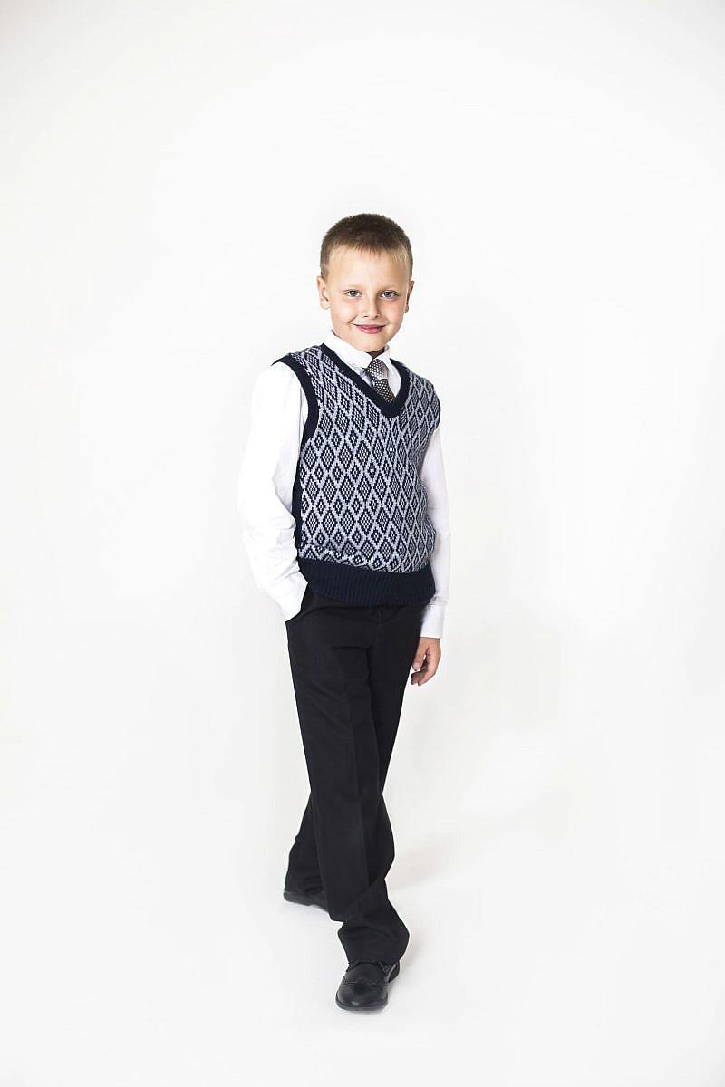 Жилет трикотажный для мальчика с орнаментом и V- образным вырезом в Челябинске, Магнитогорске, Учалах, Уфе, Белорецке.